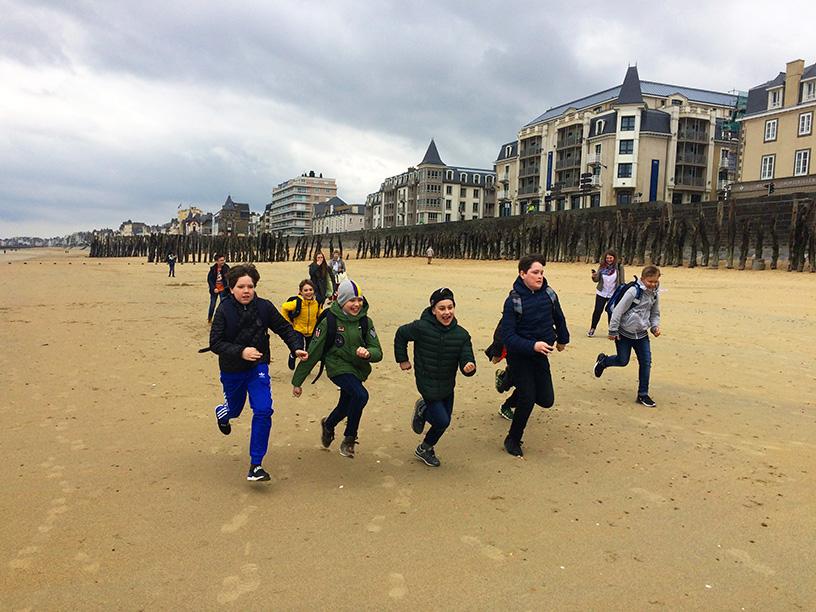 vacances actives linguistiques activites plage apprendre le francais a nice