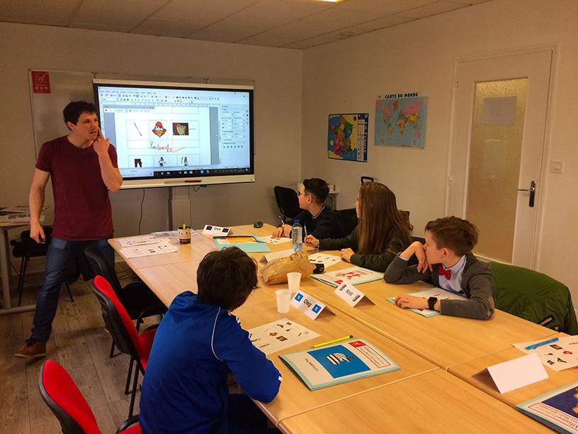 cours de francais en vacances en france-classe de francais petit groupe
