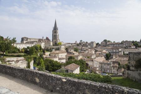 village de saint emilion proche bordeaux