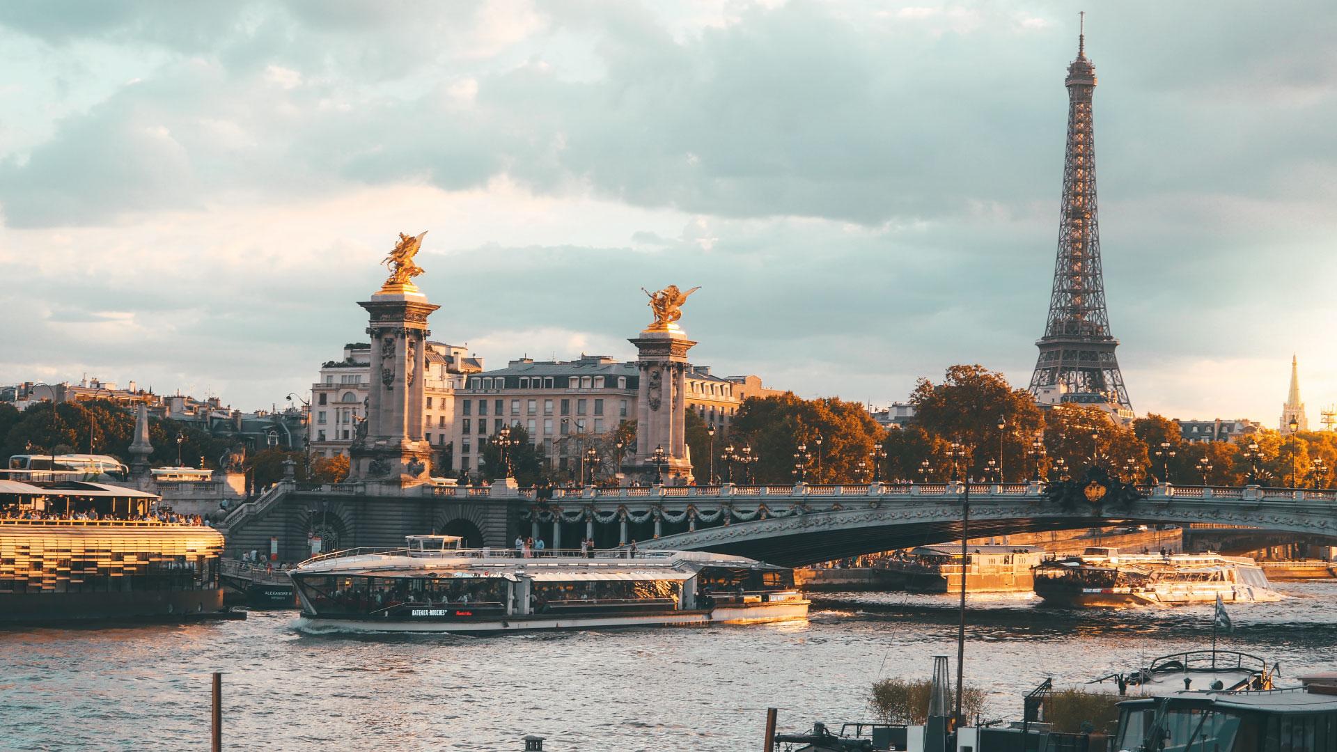 croisière sur Seine à Paris.