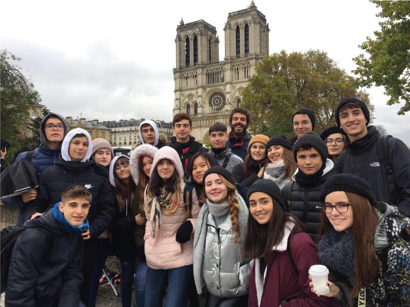 groupe d'étudiants étrangers - séjour avec vacances actives linguistiques